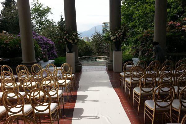 WeddingTerraceSetup